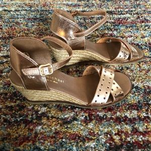 Eric Michael  rose gold leather wedges! Sz.39